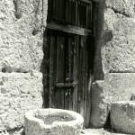BW old fort door